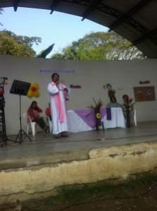 Marina Teresa preaching